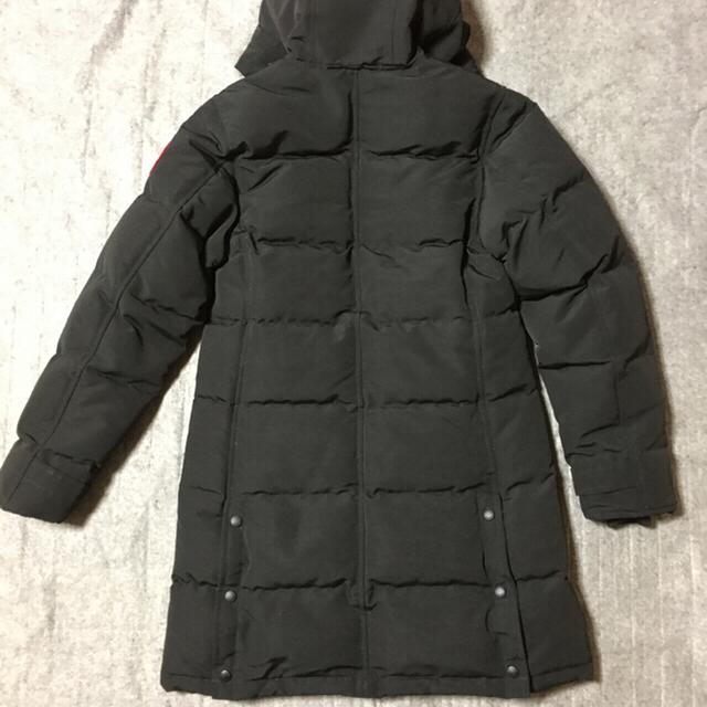 CANADA GOOSE(カナダグース)のカナダグース レディースのジャケット/アウター(ダウンコート)の商品写真