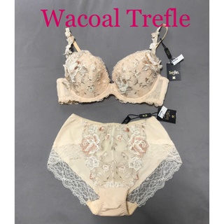 Wacoal - 新品 ♪ ワコール Trefleトレフル ブラジャー &ショーツ セット