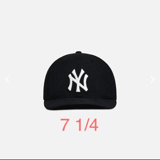 ニューエラー(NEW ERA)のkith newera Yankees black 黒 7 1/4(キャップ)