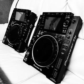パイオニア(Pioneer)のPioneerDj CDJ-2000nxs2 中古2台セット(CDJ)