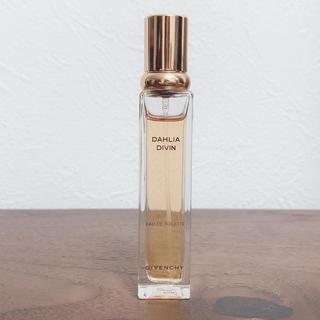ジバンシィ(GIVENCHY)の【GIVENCHY】DAHLIA DIVIN 12.5ml(香水(女性用))