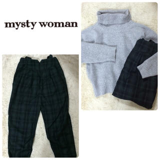 ミスティウーマン(mysty woman)のmystywoman チェックパンツ(カジュアルパンツ)