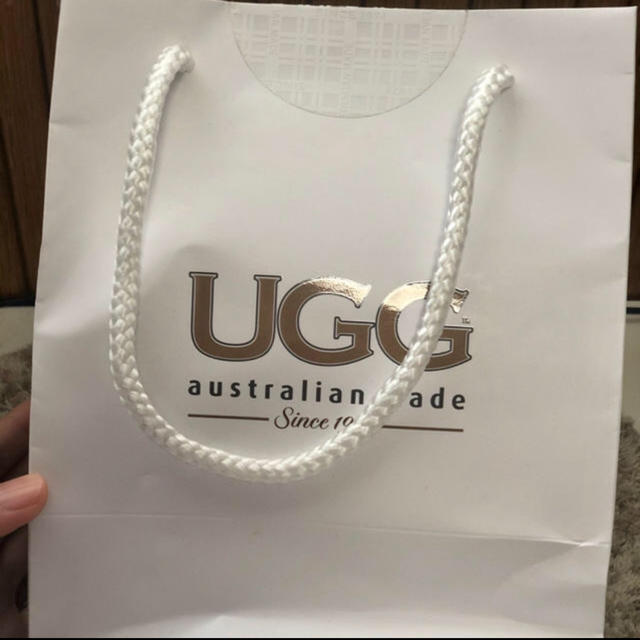 UGG(アグ)のUGGポーチ 化粧品結構入ります レディースのファッション小物(ポーチ)の商品写真