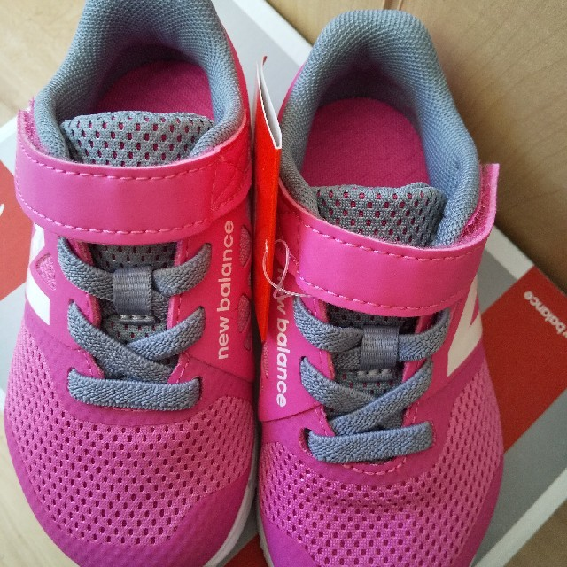 New Balance(ニューバランス)の新品★ニューバランス  スニーカー 14 キッズ/ベビー/マタニティのベビー靴/シューズ(~14cm)(スニーカー)の商品写真