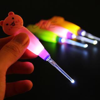 耳かき 耳掃除機 LEDライト付き 大人 子供 赤ちゃん ベビー 耳掃除