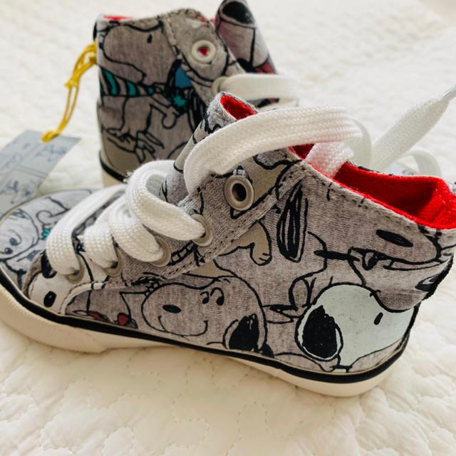 GAP Kids(ギャップキッズ)の【GAP】スヌーピーコラボスニーカー キッズ/ベビー/マタニティのベビー靴/シューズ(~14cm)(スニーカー)の商品写真