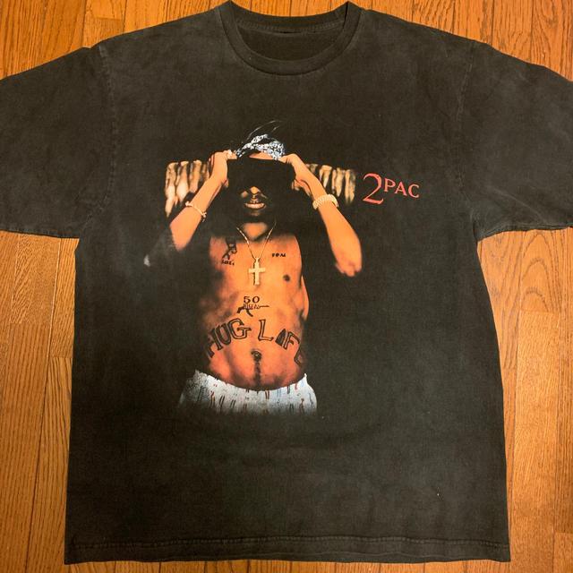 FEAR OF GOD(フィアオブゴッド)のVintage 2Pac all eyes on me Tシャツ メンズのトップス(Tシャツ/カットソー(半袖/袖なし))の商品写真