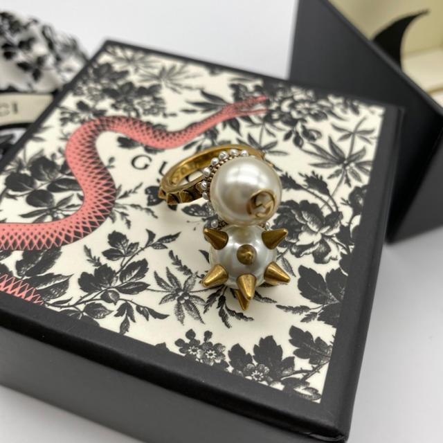 カルティエ 時計 クレ スーパー コピー | Gucci - グッチ ダブルグラスパールリングの通販
