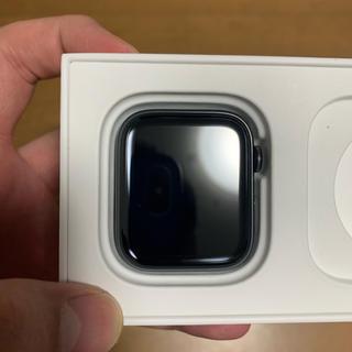 アップルウォッチ(Apple Watch)のapple watch series5 (腕時計(デジタル))
