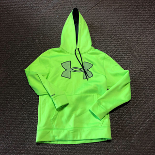 UNDER ARMOUR - UNDER ARMOUR  パーカーメンズ SM