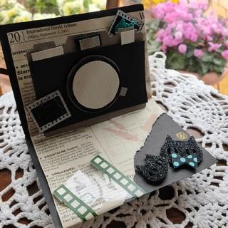 レトロなカメラのハンドメイドカード(カード/レター/ラッピング)