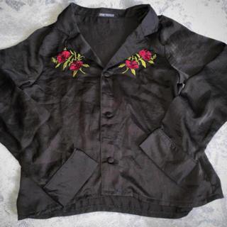 スピンズ(SPINNS)の刺繍レーヨンシャツ(シャツ/ブラウス(長袖/七分))