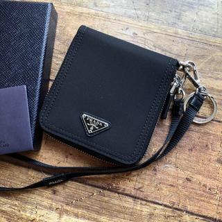 PRADA - 新品 プラダ ストラップ ラウンドジップ 折り財布 ブラック