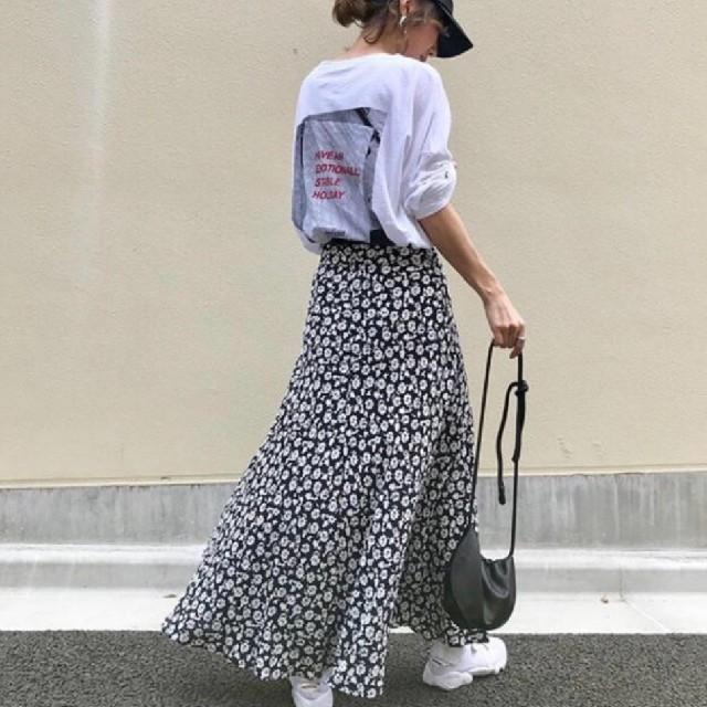 ZARA(ザラ)の【4size】フラワープリント スカート モノトーンカラー 花柄 レディースのスカート(ロングスカート)の商品写真
