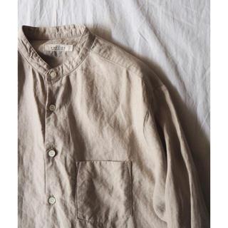 nestRobe ハイカウントリネンバンドカラーシャツ