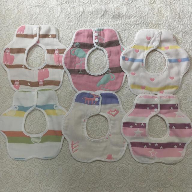 360度 回転花型 ガーゼ スタイ 6枚 セット 新品未使用 キッズ/ベビー/マタニティの授乳/お食事用品(お食事エプロン)の商品写真