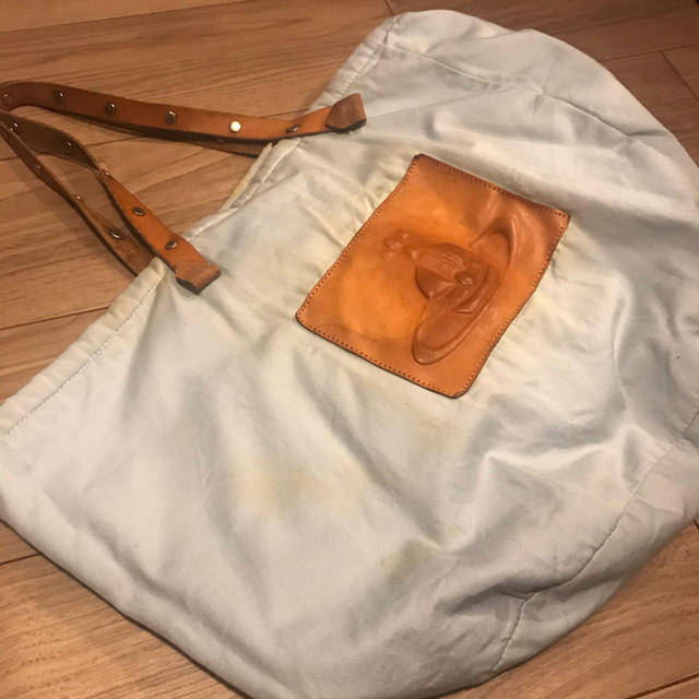 Vivienne Westwood(ヴィヴィアンウエストウッド)のヴィヴィアンウエストウッド トートバック 水色 大きめサイズ 難あり レディースのバッグ(トートバッグ)の商品写真