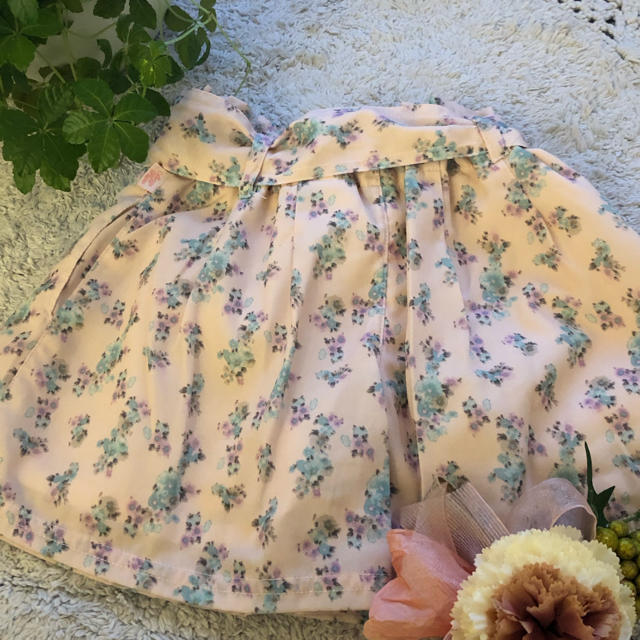 mezzo piano(メゾピアノ)のメゾピアノ ♡小花柄キュロット キッズ/ベビー/マタニティのキッズ服女の子用(90cm~)(パンツ/スパッツ)の商品写真