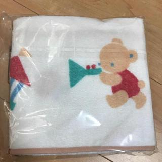 familiar - ベビーフード付きバスタオル