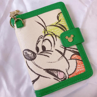 Disney - ディズニーストア グーフィー カードケース パスケース
