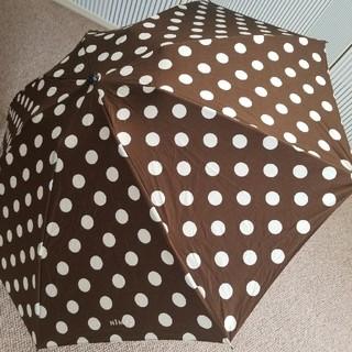 ミナペルホネン(mina perhonen)のNIMESニーム/大きなドットのブラウン晴雨両用折り畳み傘(傘)