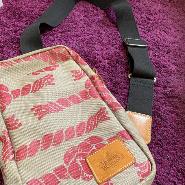 Vivienne Westwood(ヴィヴィアンウエストウッド)のヴィヴィアンウエストウッド マン ショルダーバッグ レディースのバッグ(ショルダーバッグ)の商品写真