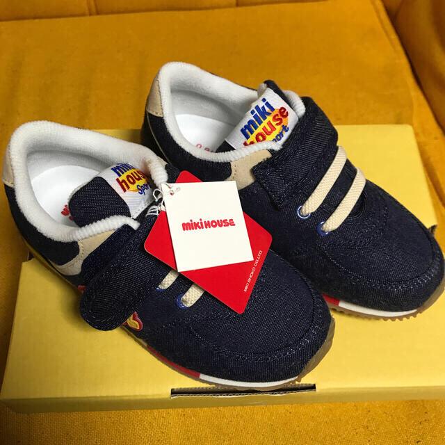mikihouse(ミキハウス)のミキハウス 運動靴 18cm  未使用品 キッズ/ベビー/マタニティのキッズ靴/シューズ(15cm~)(スニーカー)の商品写真
