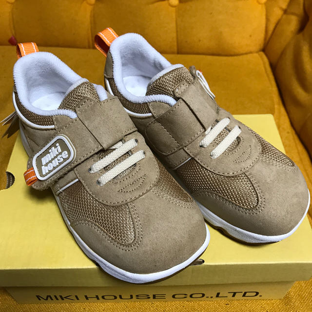 mikihouse(ミキハウス)のミキハウス 運動靴 19cm  未使用 キッズ/ベビー/マタニティのキッズ靴/シューズ(15cm~)(スニーカー)の商品写真