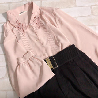 Santa Monica - ピンク系 スカラップ襟 刺繍 タック入り レトロブラウス ガーリー 古着