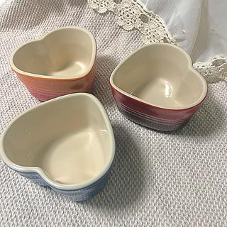 ルクルーゼ(LE CREUSET)のハート型♡ココット用お皿 3つセット(食器)