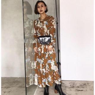 Ameri VINTAGE - zozo限定ワンピース AMERI BLOSSOM PLEATS DRESS