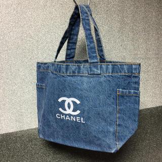 CHANEL - サイドポケット付きデニムバッグ ノベルティ シャネル