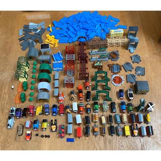 タカラトミーアーツ(T-ARTS)のカプセルプラレール トーマス セット 大量(電車のおもちゃ/車)