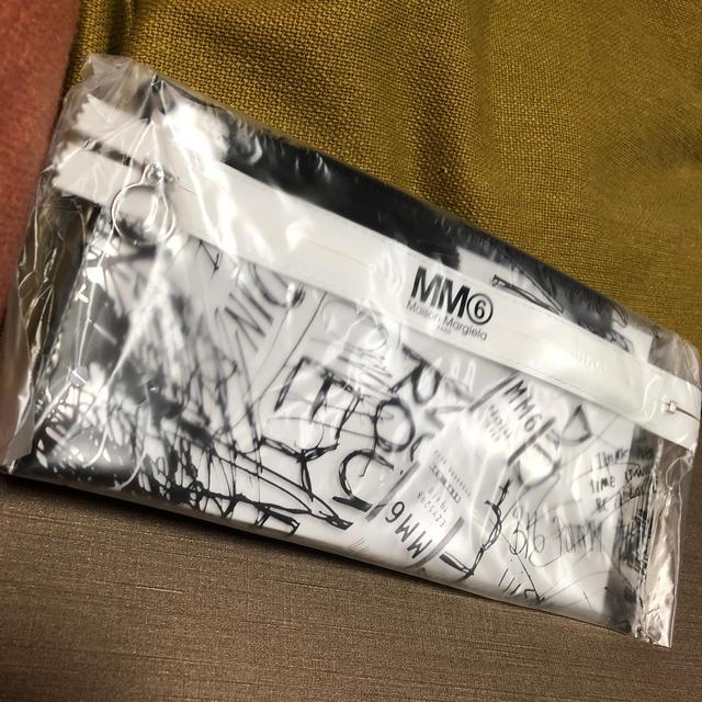 MM6(エムエムシックス)の最終値下げ 新品 マルタンマルジェラ  MM6 SPUR スグリブルクリアポーチ レディースのファッション小物(ポーチ)の商品写真