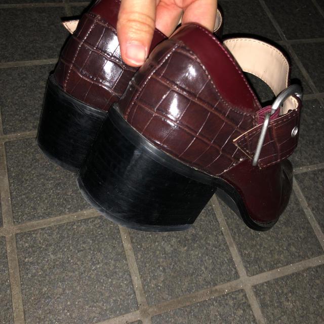 moussy(マウジー)のBLOCK HEEL STRAP PUMPS moussy レディースの靴/シューズ(ハイヒール/パンプス)の商品写真