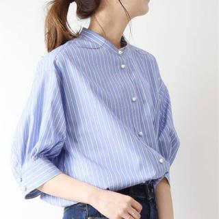 Spick and Span - ☆新品タグ付き☆パールボタンギャザースリーブシャツ