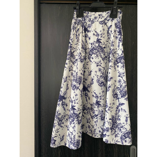 Mila Owen(ミラオーウェン)のミラオーウェン ロングスカート 花柄 レディースのスカート(ロングスカート)の商品写真