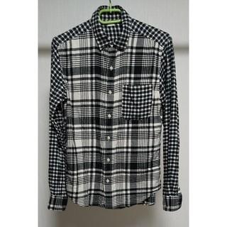 GU - GU 白黒 チェックシャツ♪