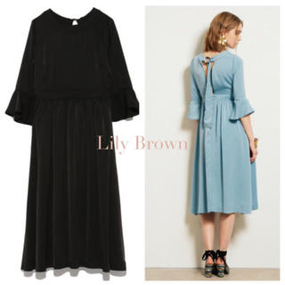 リリーブラウン(Lily Brown)のlily brown バックシャンワンピース(ひざ丈ワンピース)