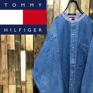 トミーヒルフィガー(TOMMY HILFIGER)の【激レア】トミーヒルフィガー☆刺繍ロゴストライプ柄切替デニムノーカラーシャツ(シャツ)