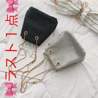 ZARA - 大人気❤️キラキラ ショルダーバッグ ストーン シルバー ドロストバッグ 巾着