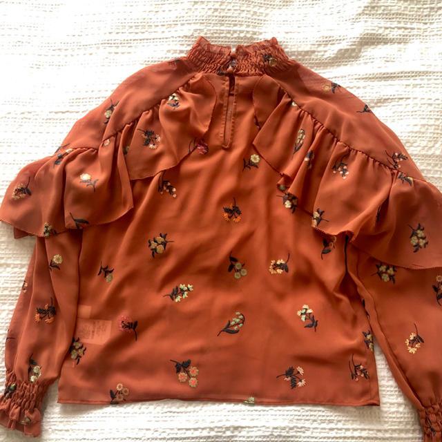 Lily Brown(リリーブラウン)のリリーブラウン トップス レディースのトップス(シャツ/ブラウス(長袖/七分))の商品写真