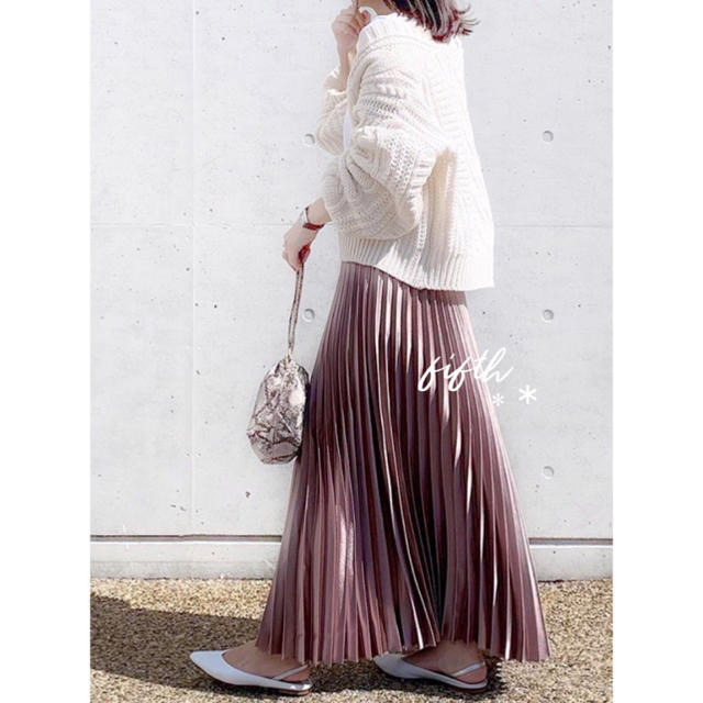 fifth(フィフス)のfifth シャイニーロングプリーツスカート ダスティーピンク❁❁ レディースのスカート(ロングスカート)の商品写真