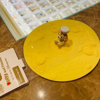 ダッフィー(ダッフィー)の【香港ディズニー限定】クッキーアン シリコンカップカバー(マグカップ)