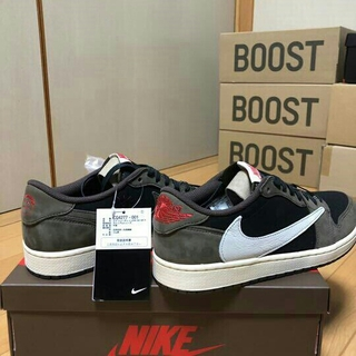 NIKE - NIKE AIR JORDAN 1 LOW TRAVIS SCOTT 27,5c
