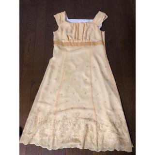 クミキョク(kumikyoku(組曲))の組曲 ドレス(ミディアムドレス)