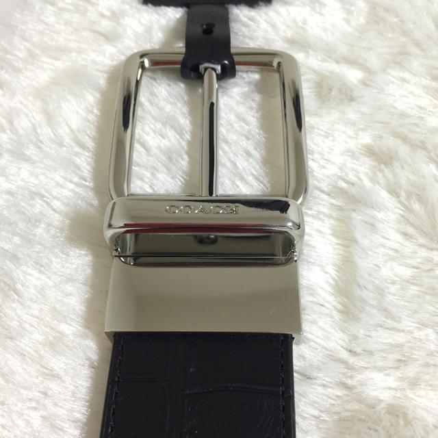 COACH(コーチ)のリバーシブル レザーベルト クロコダイル 調 モダン ハーネス カット  メンズのファッション小物(ベルト)の商品写真