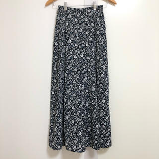 GU - 花柄ロングスカート