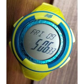 ニューバランス(New Balance)の中古品ニューバランスNB 28-507シリーズイエロースポーツデジタル時計(腕時計(デジタル))