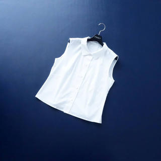 フォクシー(FOXEY)の■FOXEY■ 42 白シャツ ブラウス ストレッチ フォクシーブティック(シャツ/ブラウス(半袖/袖なし))